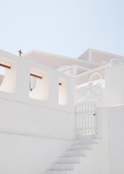1022_natelee_cocks_75_the_little_white_gate_santorini.jpg
