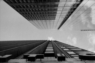 Print art: La defense