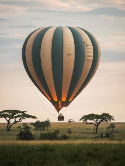 774_jonathan_stokes_34_balloon_safari_serengeti_single.jpg